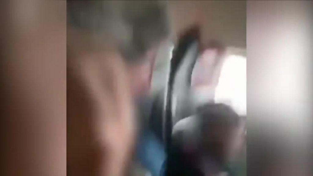 Un rayo impacta contra un avión en pleno vuelo provocando el pánico entre los pasajeros