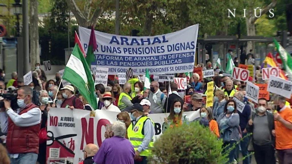 """Los pensionistas marchan en Madrid por """"una pensión digna y justa"""""""