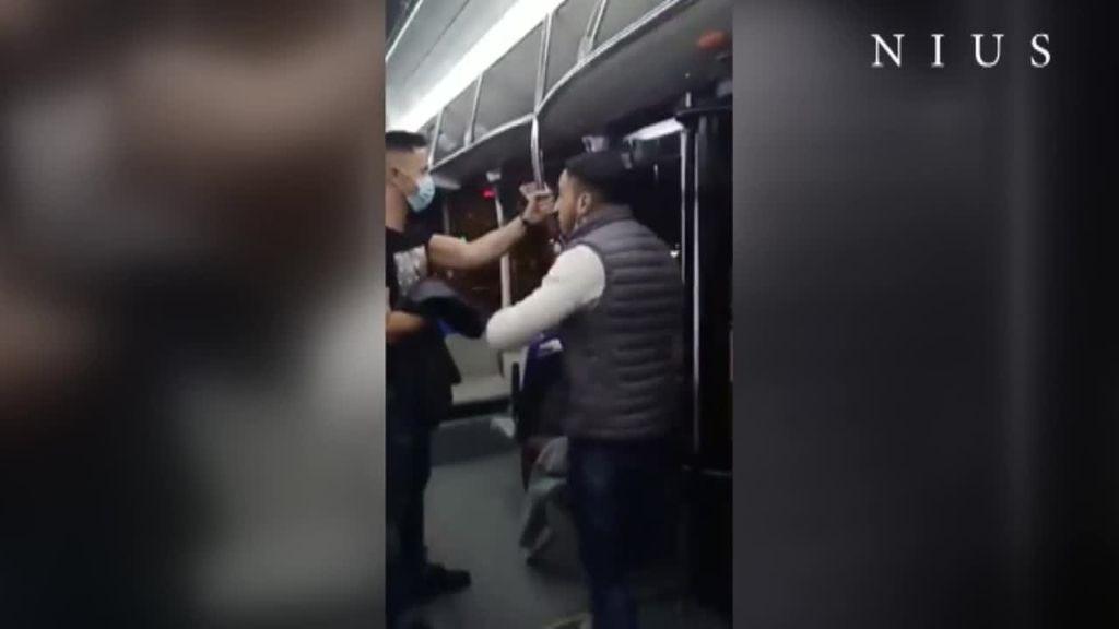 Agresión a un policía por no llevar mascarilla en el autobús en Zaragoza