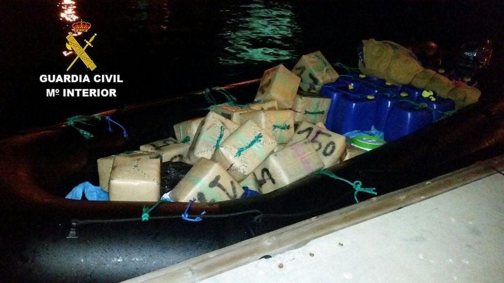 900 kilos de hachís en una embarcación