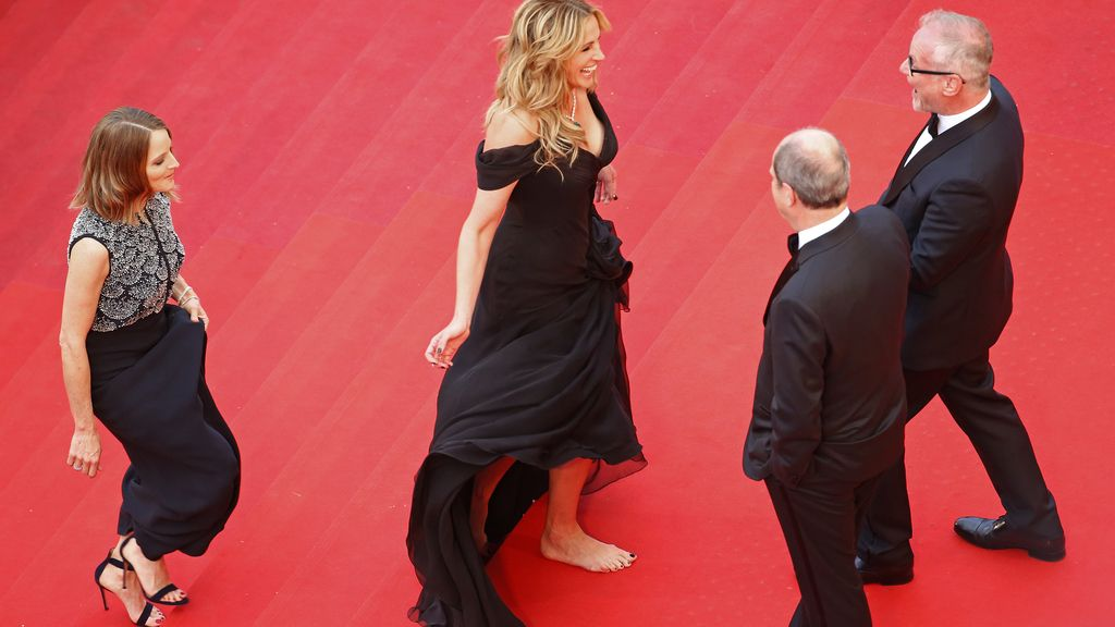 Julia Roberts, descalza en Cannes