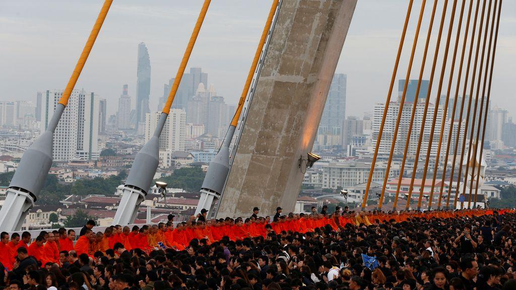 Petición masiva de limosnas en Tailandia