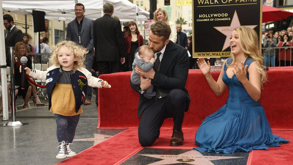 Blake Lively y Ryan Reynolds hacen su primera aparición pública con sus hijas