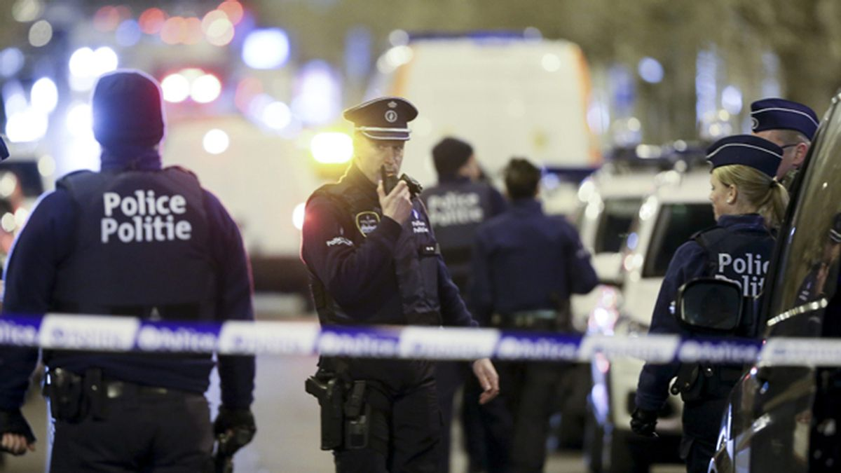 Bruselas acordona el barrio de Schaerbeek en una operación antiterrorista
