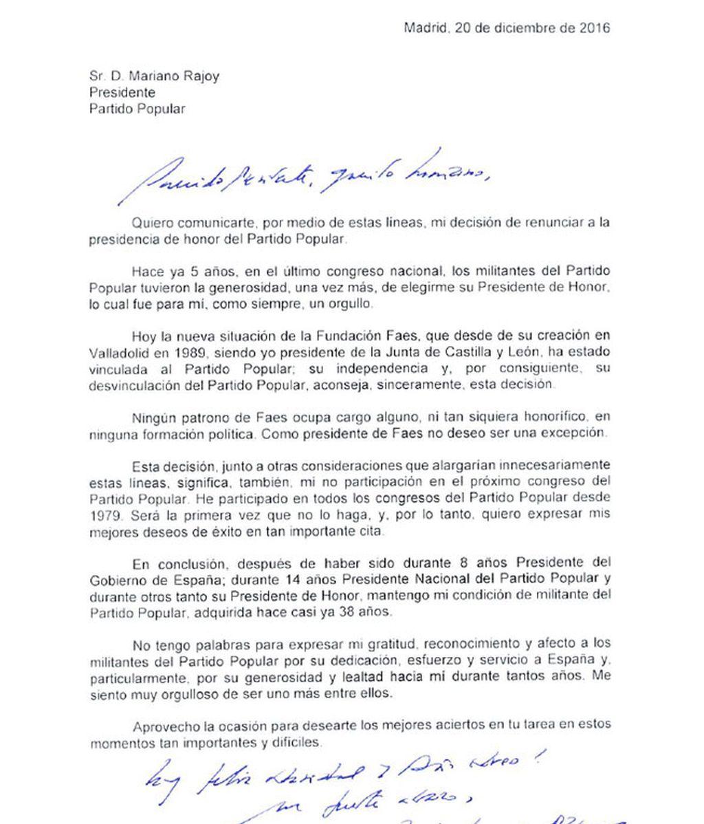 Aznar comunica a Rajoy su renuncia a la presidencia de honor del PP