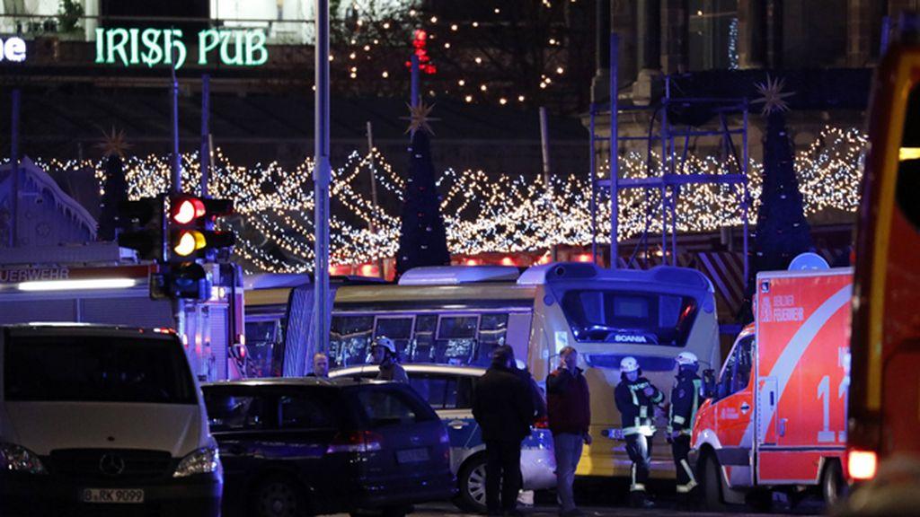Un camión arrolla a varias personas en un mercado navideño de Berlín