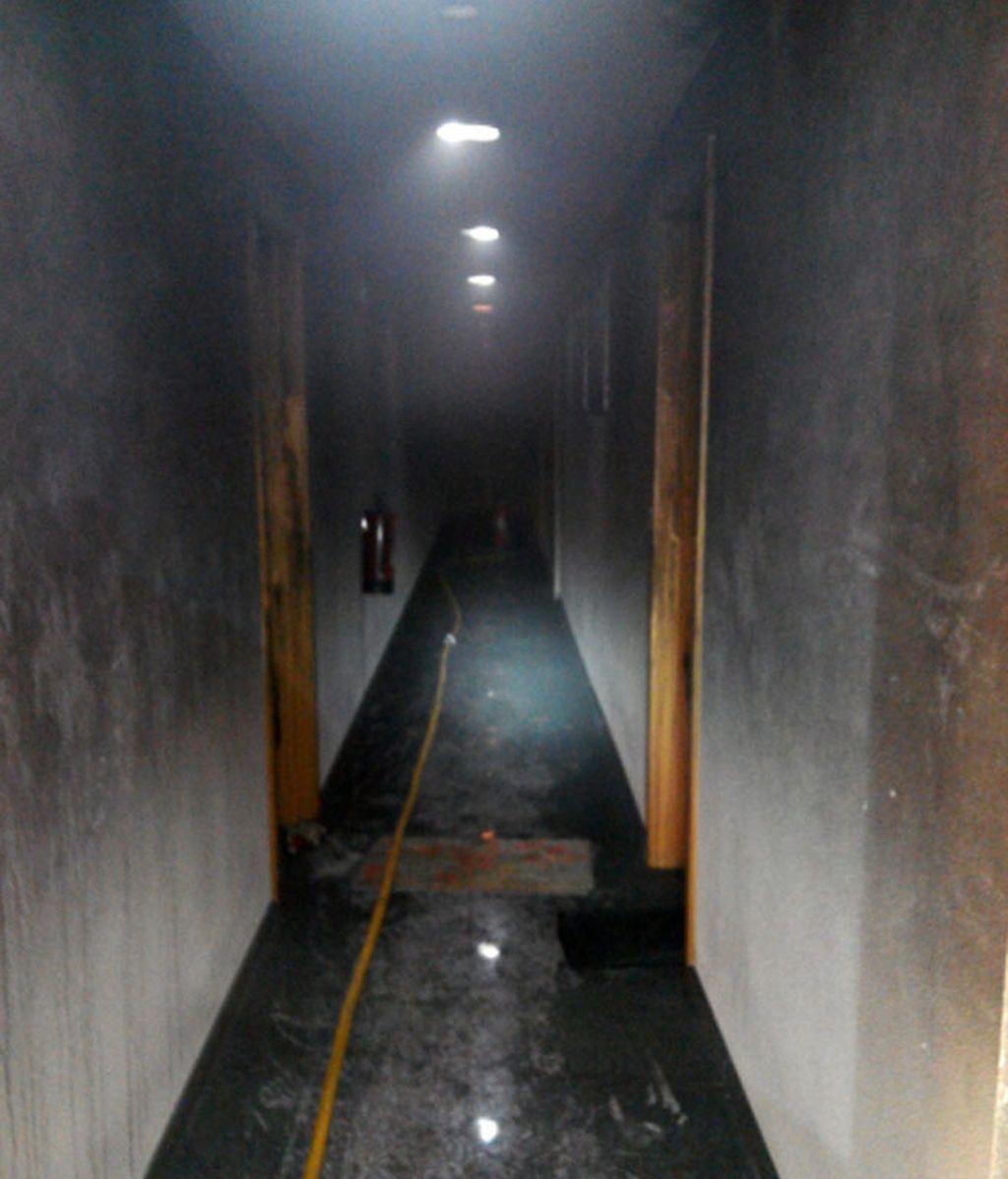 Seis heridos, tres de ellos policías, en el incendio de una vivienda en Pamplona