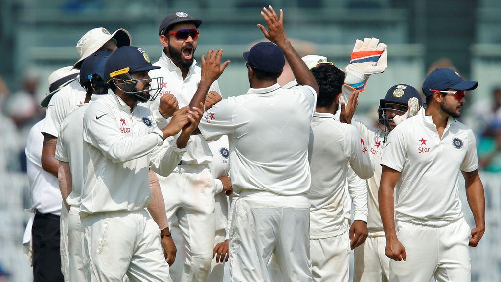 La selección india de críquet celebra su victoria sobre Inglaterra