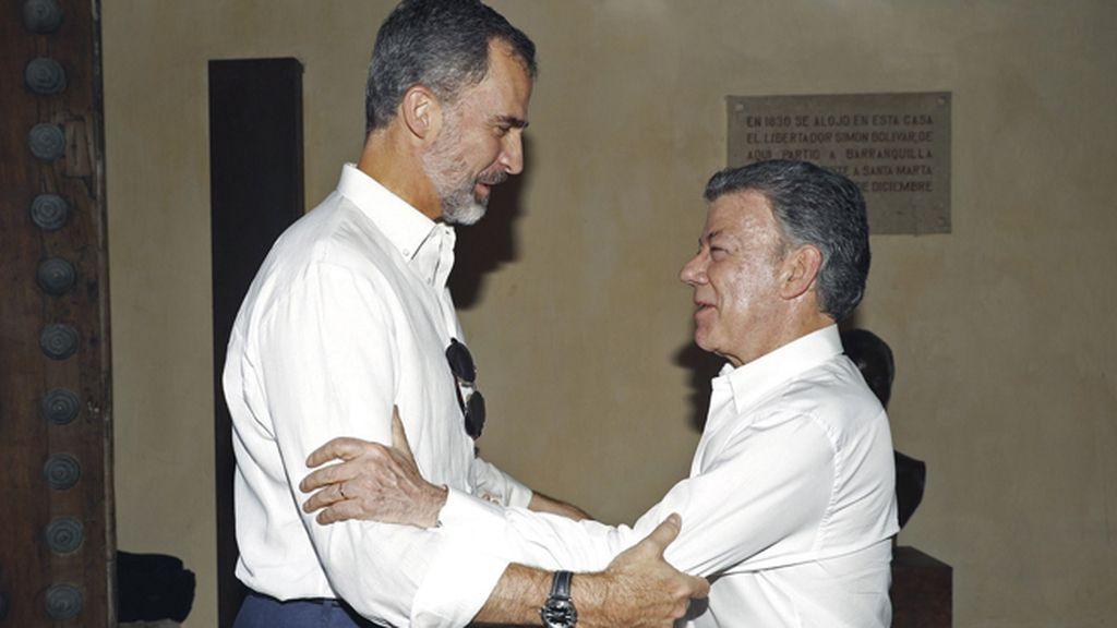 El rey Felipe VI se reúne con el presidente de Colombia en Cartagena de Indias