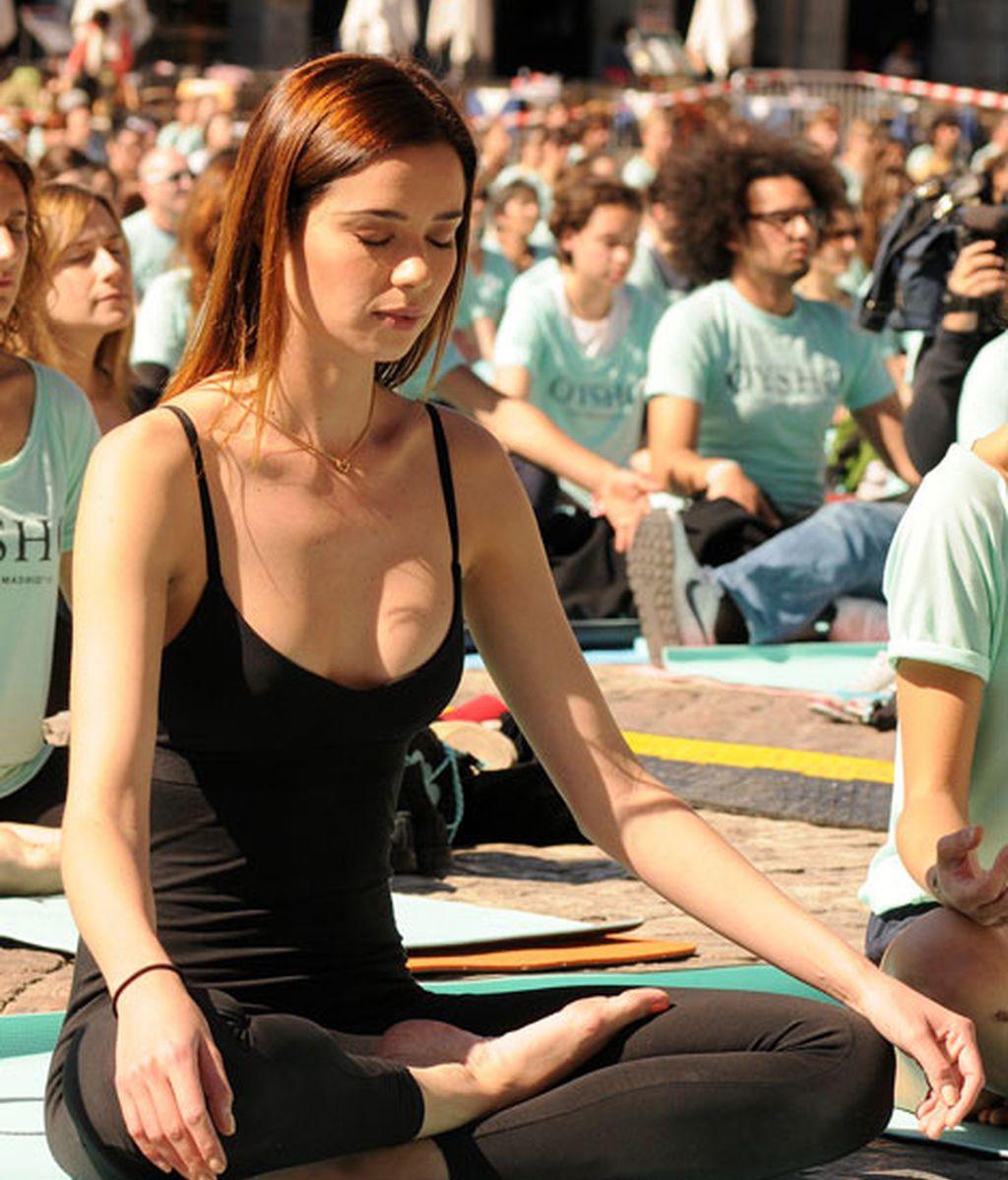 Dafne Fernández, se pasa al yoga para estar en forma