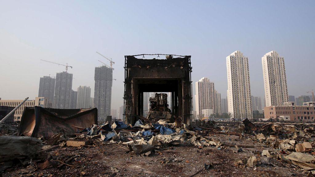 Un edificio derruido tras las explosiones en Tianjin, China