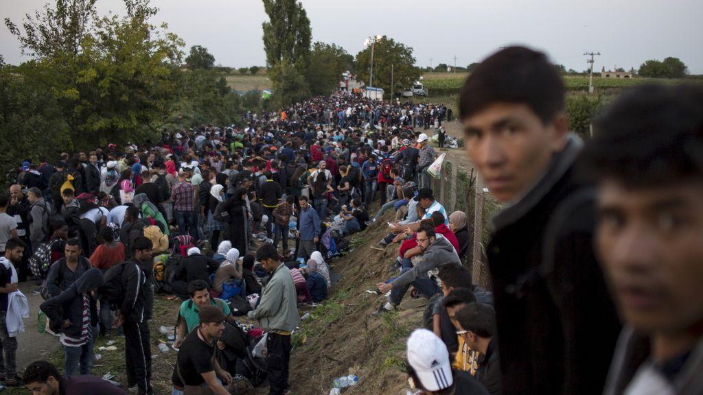 Miles de inmigrantes en Croacia