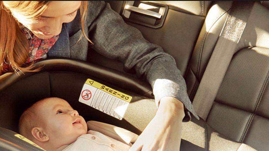 sillita bebé, bebé en coche,