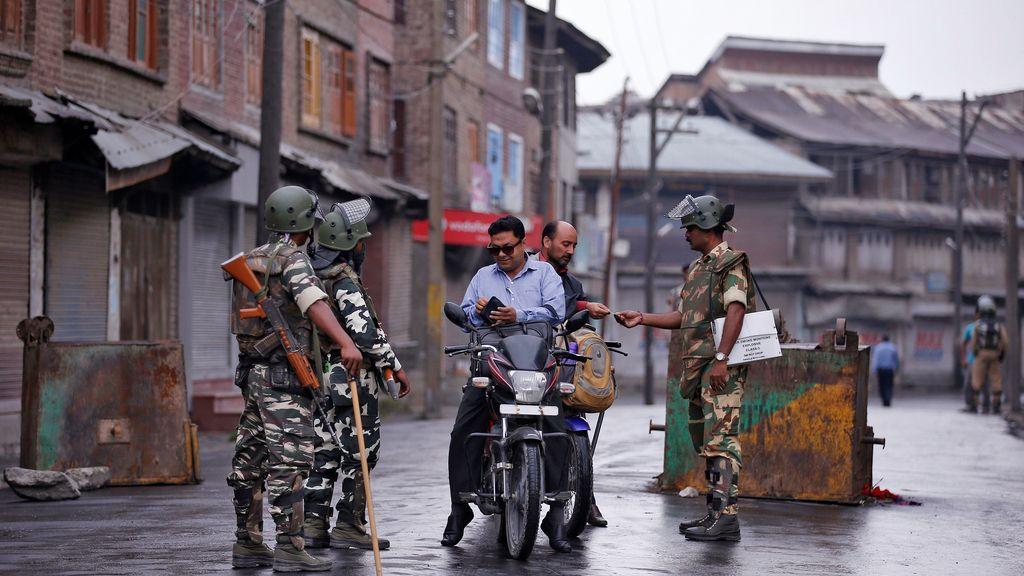 La policía de la India eleva el protocolo de seguridad