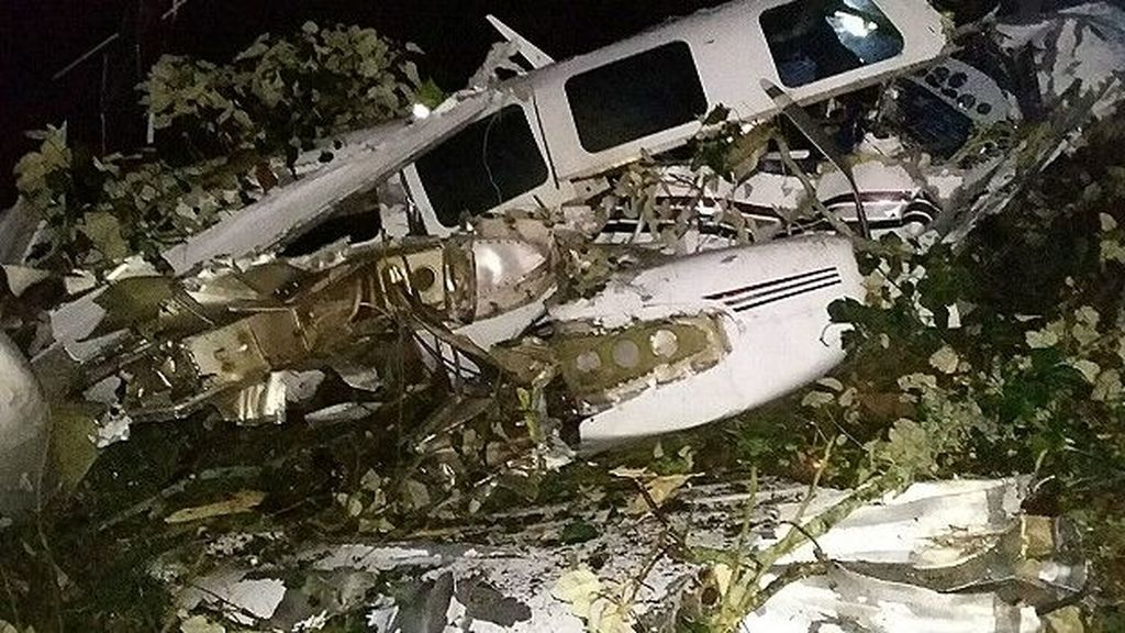 Mueren dos personas al estrellarse una avioneta del equipo de rodaje de Tom Cruise