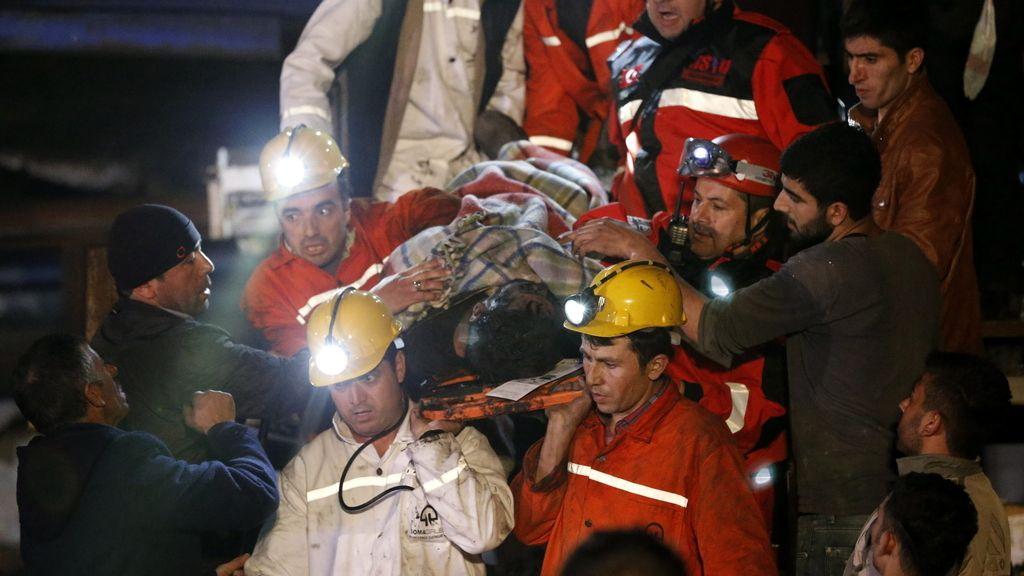 Más de doscientos muertos por la explosión de una mina en Turquía