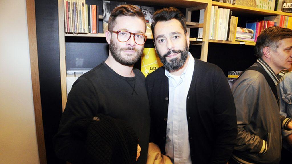 """Jeff Bargues y Juanjo Oliva, que acaba de diseñar los uniformes de los empleados de """"El Corte Inglés"""""""