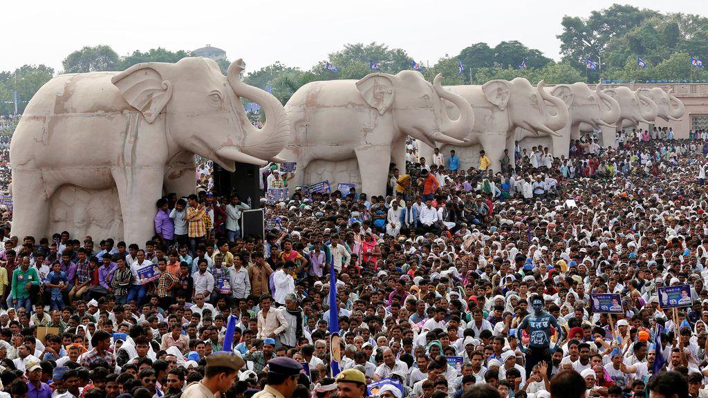 Aniversario multitudinario para uno de los líderes políticos indios