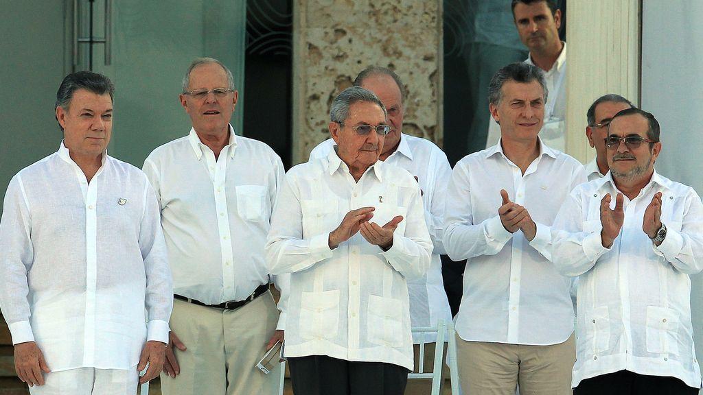 El Gobierno colombiano y las FARC sellan el acuerdo de paz