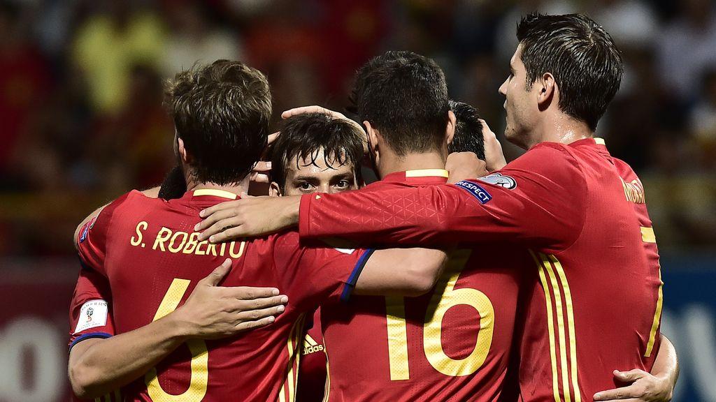 España somete a Liechtenstein: 8-0