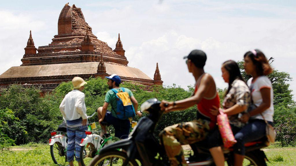 Un terremoto de magnitud 6,8 destruye un centenar de templos en Birmania