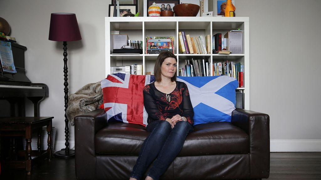 Samantha Bartholomew, con el corazón dividido