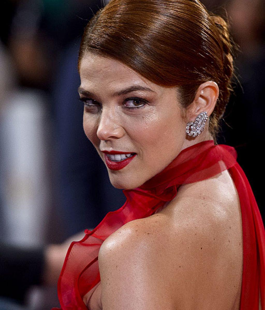 Juana Acosta, espectacular de rojo y brillantes