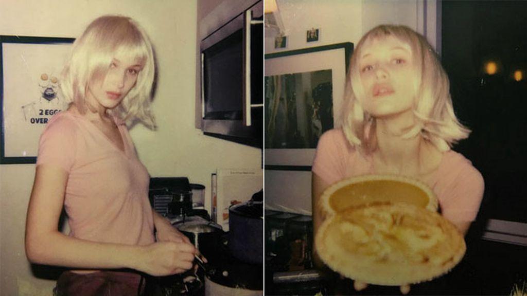 Bella Hadid ha compartido sus polaroids cocinando 'mac n cheese' y tarta