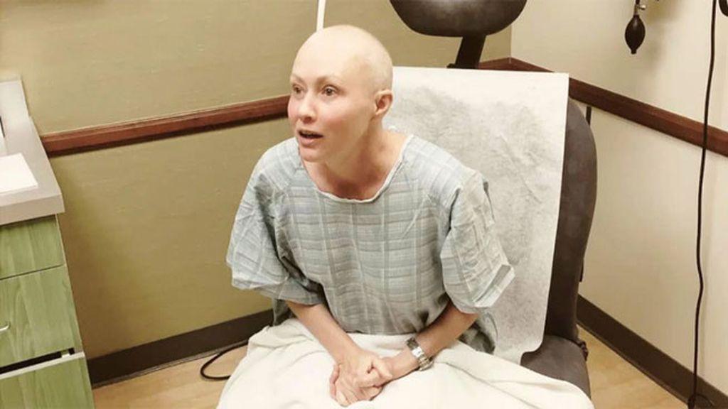 """Shannen Doherty comparte su primer día de radioterapia: """"La radiación me aterra"""""""