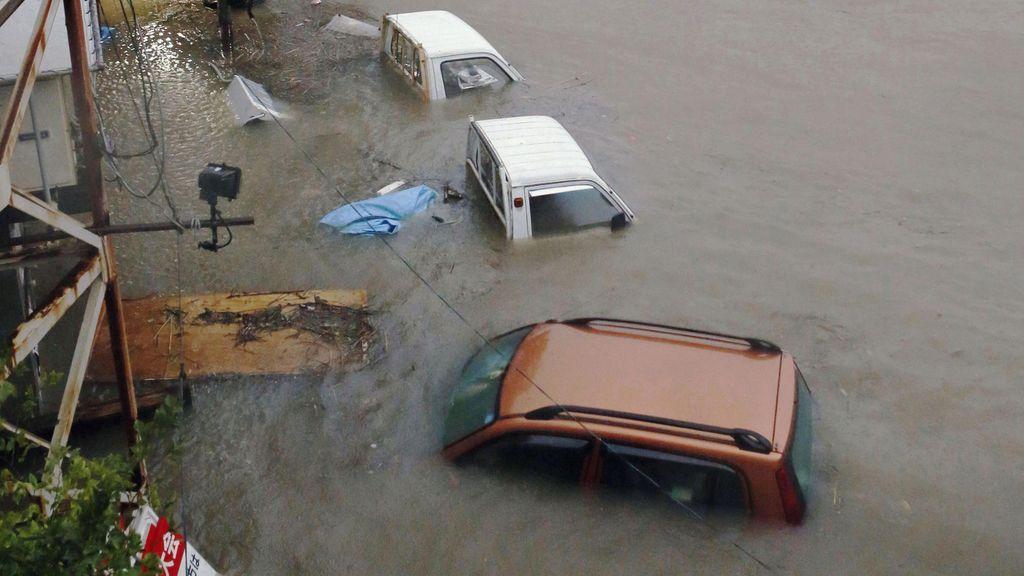 Las autoridades japonesas ordenan evacuar más de un millón de personas por el tifón Halong