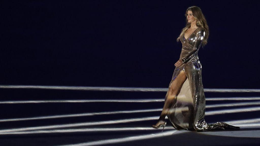 Gisele Bündchen desfiló representando a todo Brasil