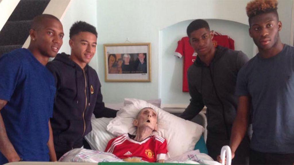 Hincha del Manchester United vio a sus ídolos y 45 minutos después murió