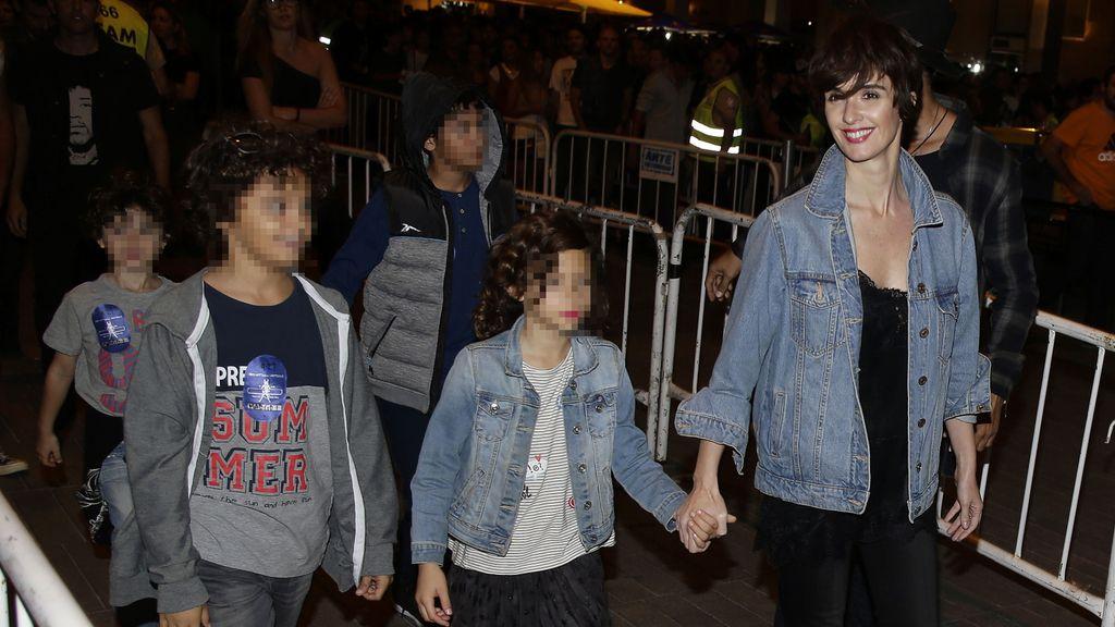 La familia disfruta sus primeros días en España a ritmo de Rock