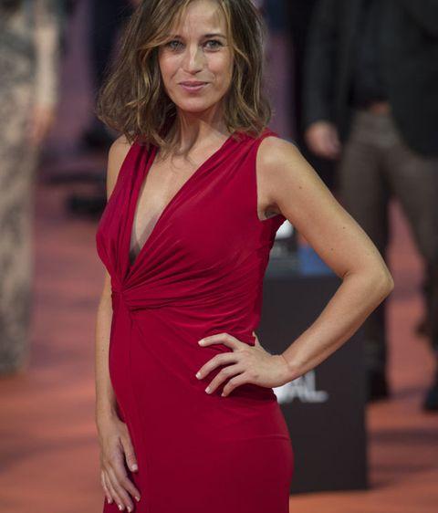 c4996ad3c Sorpresa en la alfombra roja! Marta Etura está embarazada de cuatro ...