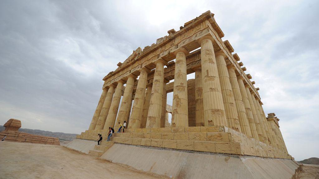 Réplicas en China del Partenón y de la esfinge de Guiza