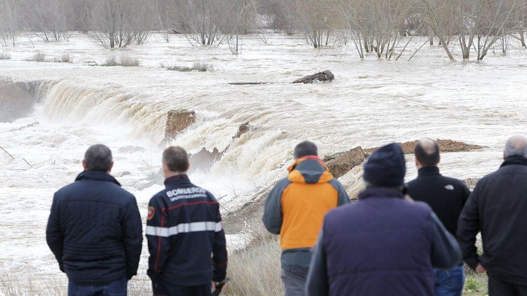 1.500 evacuados en Zaragoza la mayor inundación de la última década