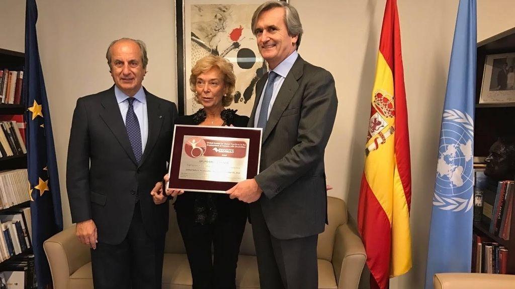 Juan Manuel González Serna y Lucía Urbán, reciben el reconocimiento a uno de los trabajos de integración más importantes de España realizados por una empresa privada