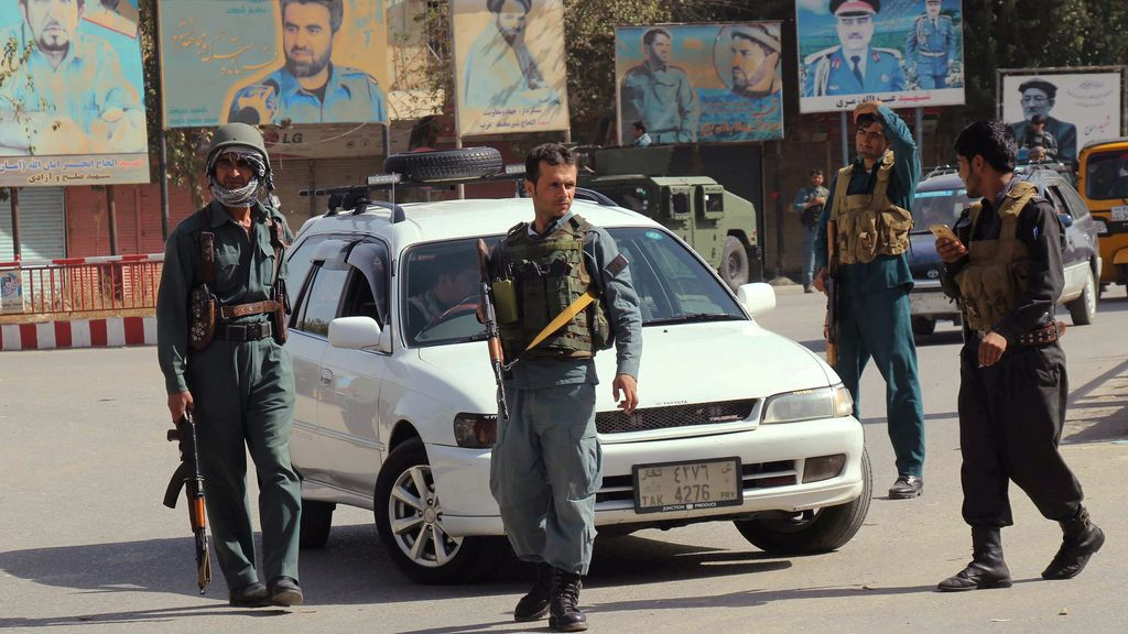 La policia vela por la seguridad de los afganos
