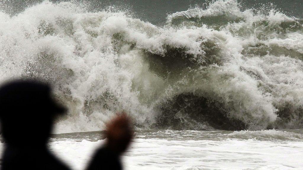 Olas de más de 7 metros en Santander