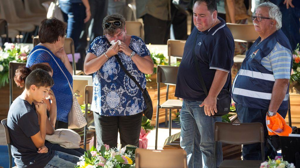 El presidente de Italia acude al funeral de las víctimas del terremoto