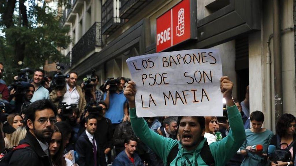 PSOE, manifestación de los militantes socialistas