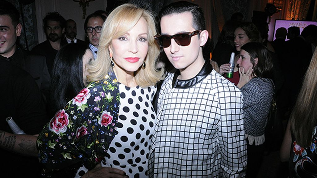 Con Carmen Lomana, vestida de Dolce & Gabbana
