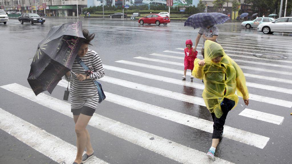 Llega el tifón 'Chan-Hom' a la costa este de China