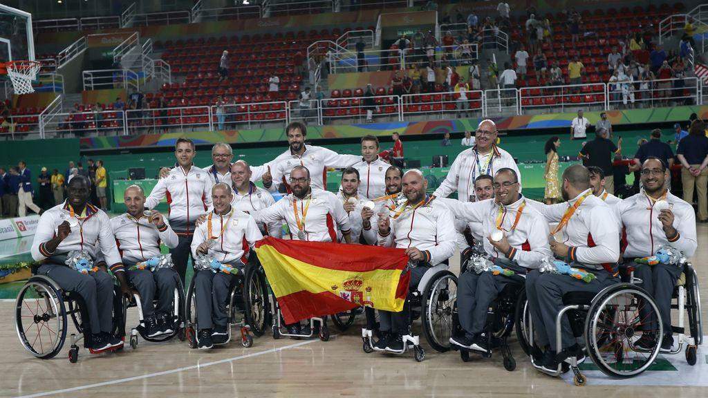Histórica medalla de plata para el baloncesto paralímpico (18/09/2016)