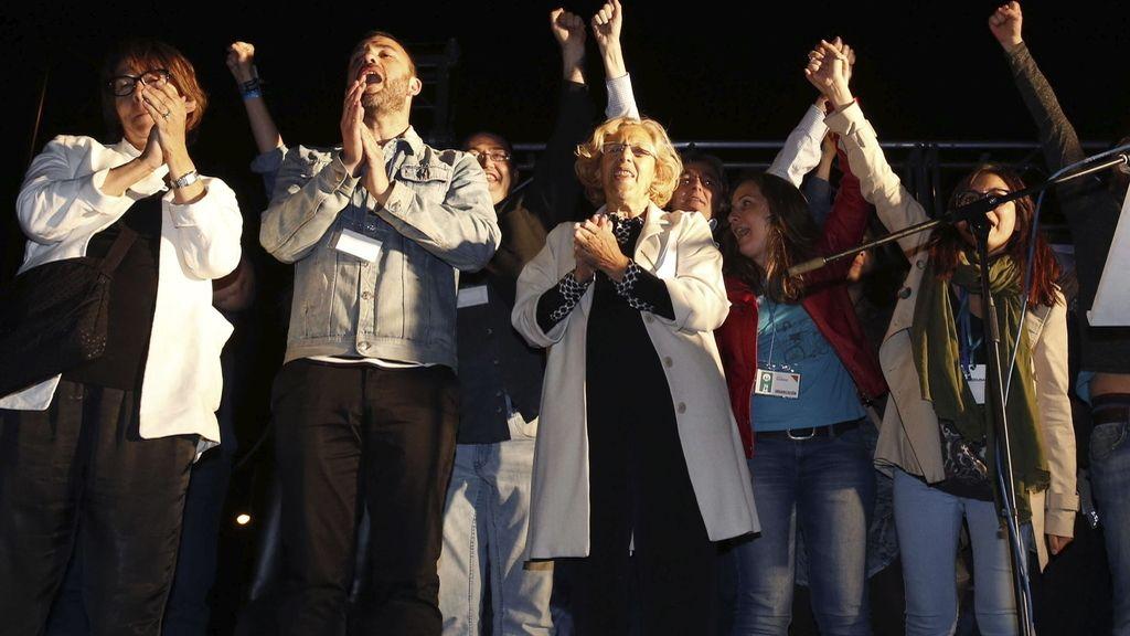 Manuela Carmena en la fiesta de Podemos en Moyano