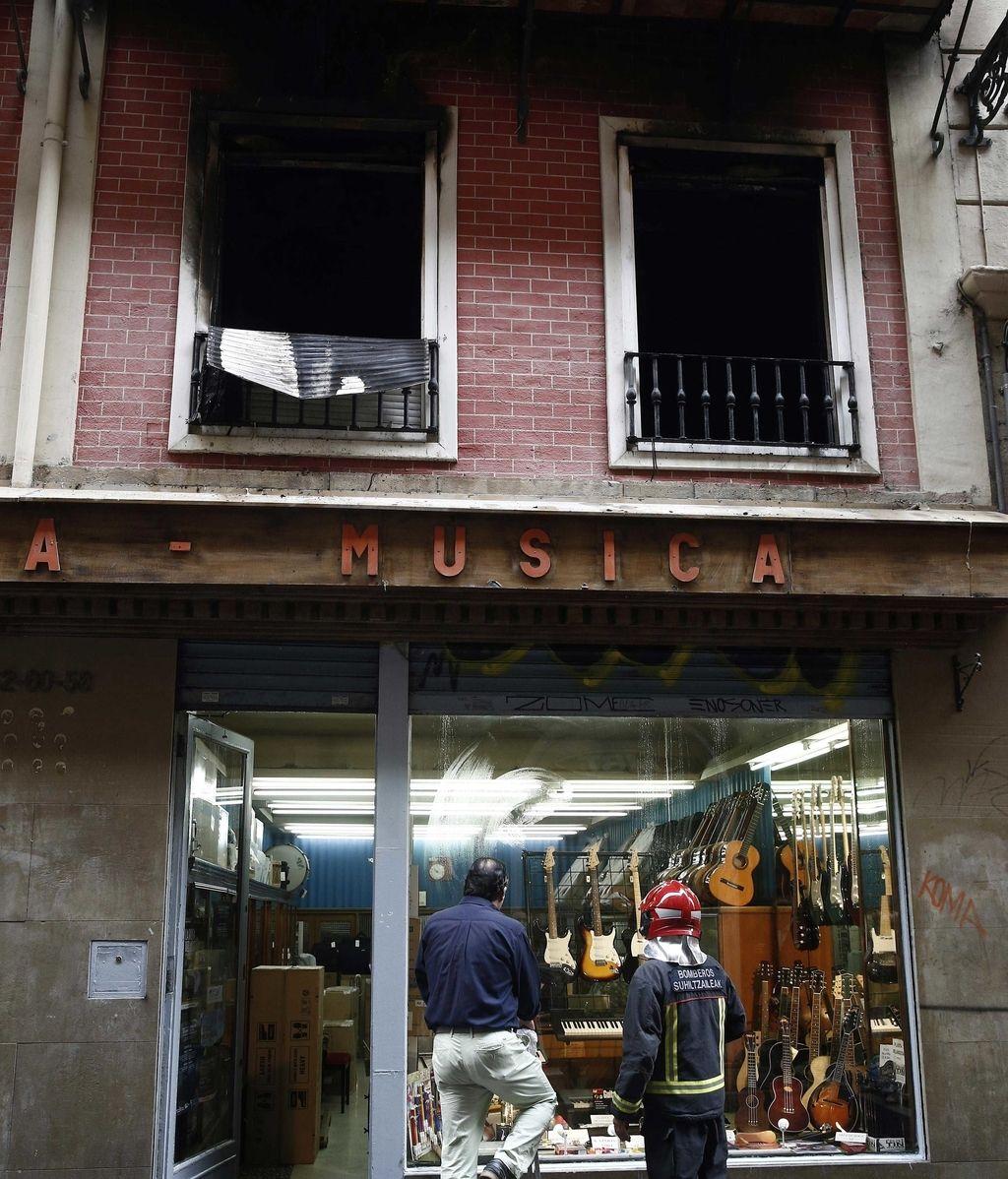 Fachada de la vivienda de Pamplona donde ha muerto una mujer debido a un incendio