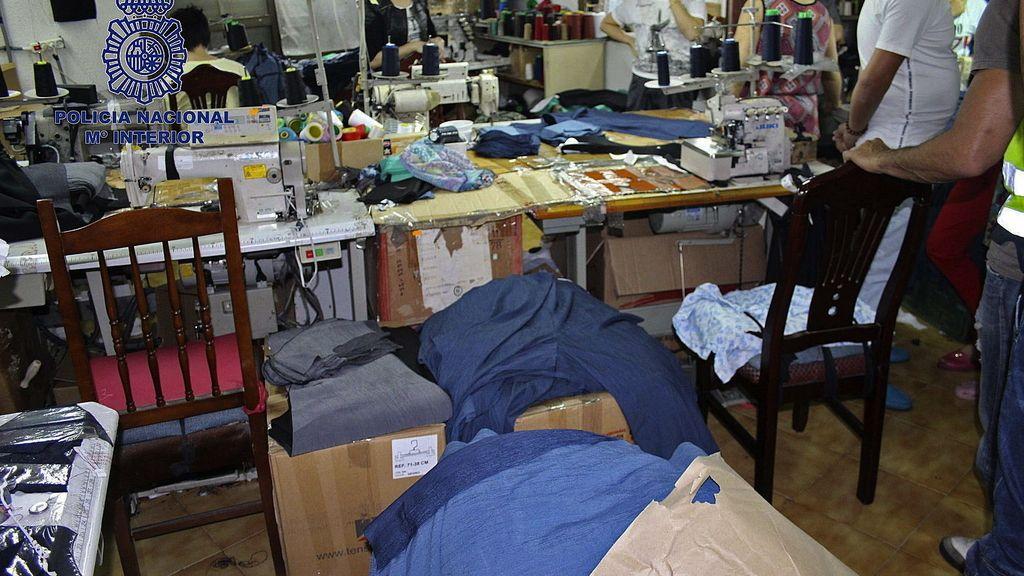 Desmantelado un taller clandestino de confección de ropa en Murcia