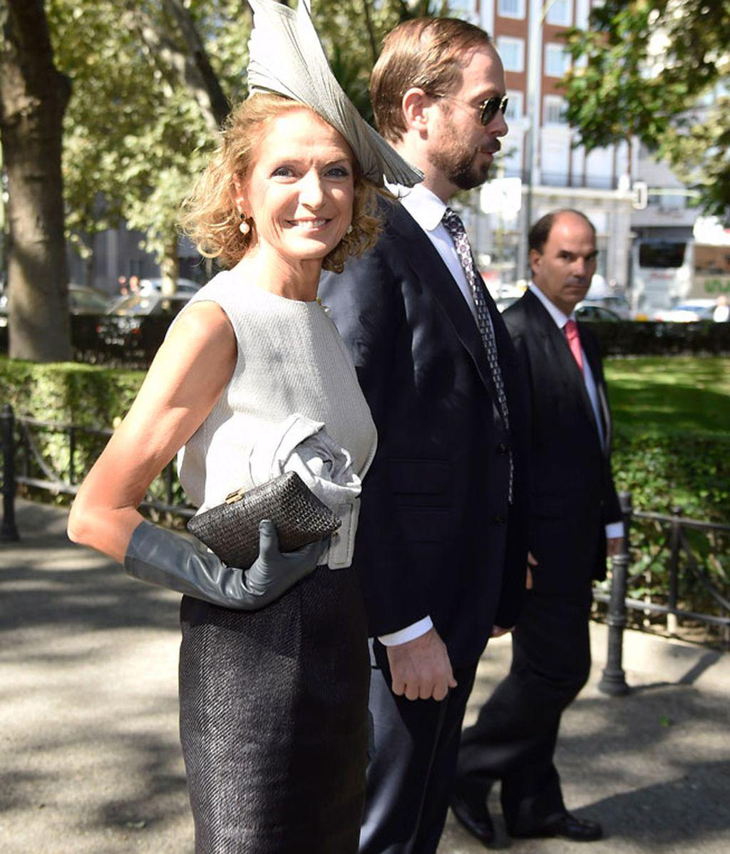 Pilar Medina Sidonia, con un elegante tocado