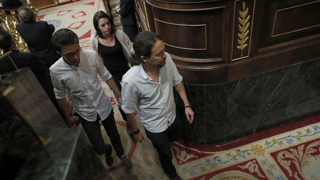 Ana Pastor niega la palabra a Iglesias por alusiones y su bancada abandona el hemiciclo