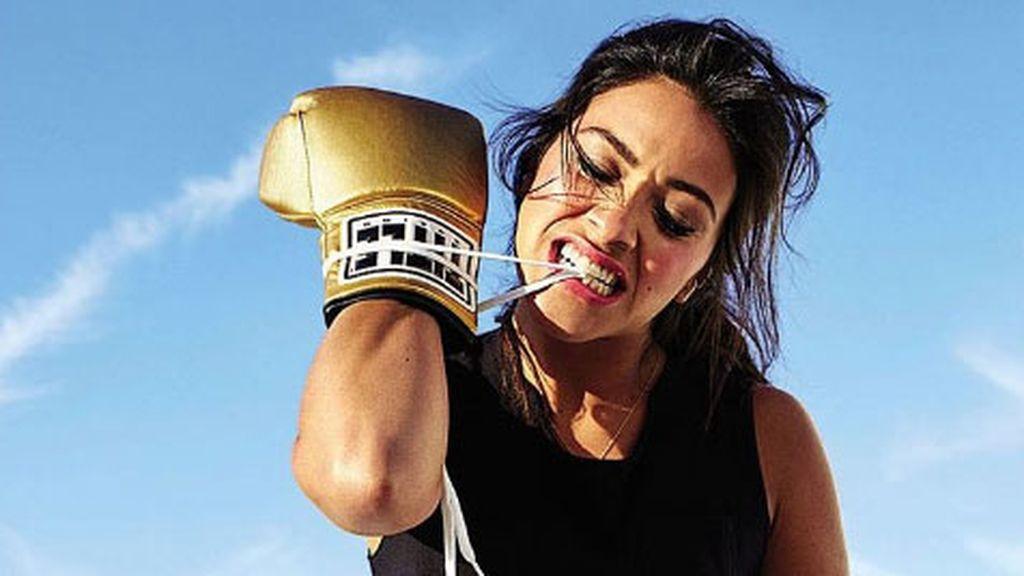 'Latin power' con guantes: practica boxeo como su padre